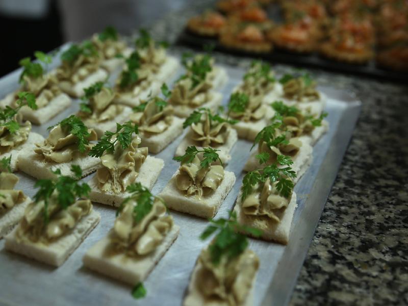 Traiteur à emporter ou à domicil daniel Desavie maître restaurateur gastronomique et bistrot à Valbonne Sophia Antipolis